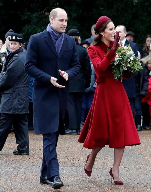 Кейт Миддлтон пришла вцерковь очень стройной ивэлегантном пальто