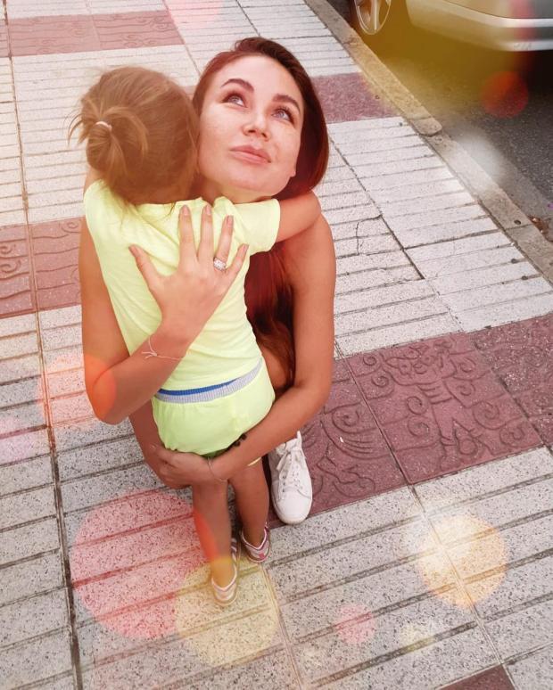 Ляйсан Утяшева с дочкой
