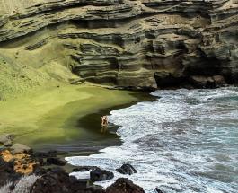 Пляж из полудрагоценных камней: как выглядит морской берег укрытый песком зеленого цвета