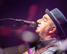 Музыканты группы Чайф потеряли гитары: Шахрин и Бегунов в шутку обвинили грузчиков