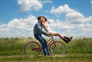 Чем порадовать любимого человека на день Святого Валентина: идеи романтических подарков