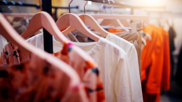 Одежда из синтетической ткани на 100%