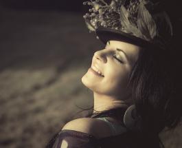 10 советов для женщин: полюбить себя можно если следовать философии Луизы Хей