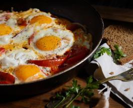 Самая вкусная яичница которую можно приготовить: рецепт сытного и аппетитного блюда