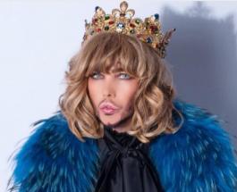 Сергей Зверев в короне вышел на Красную площадь: к чему призывает людей эпатажный стилист