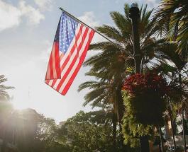 Патриотизм по-американски: пожарные потратили силы спасая флаг США от бушующего пламени