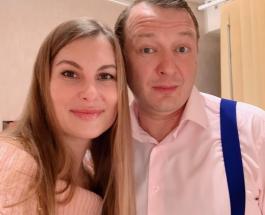 """Марат Башаров остался в """"Битве экстрасенсов"""": почему актер и его жена не явились в суд"""