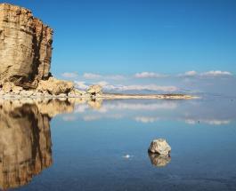 На границе Ирана и Турции исчезает одно из самых необычных в мире озер