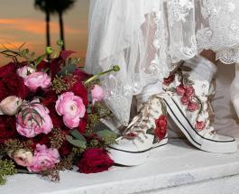 Новый бьюти-тренд 2019: невесты вместо свадебных туфель выбирают белые и цветные кроссовки