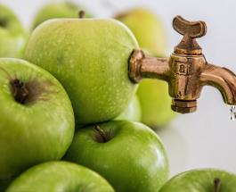 8 причин почему нужно пить яблочный сок: польза для здоровья и самочувствия от напитка