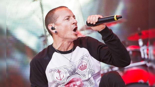 9b8dbfc82 Бессменный вокалист знаменитой группы Linkin Park считается знаковой  личностью мировой рок-музыки. Его голос известен во всём мире, ведь этот  популярный ...