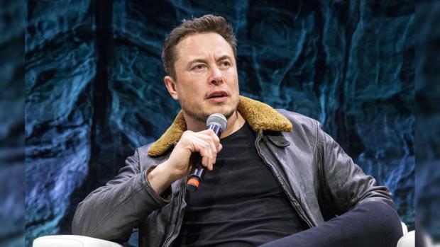 Автопилот Tesla обманом заставили выехать навстречную полосу