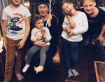 Татьяна Васильева со всеми внуками: Иван, Мирра, Адам, Григорий