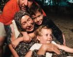 Татьяна Васильева с сыном и его детьми, Адамом и Миррой