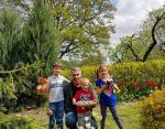 Доктор Комаровский с внуками