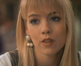 """Келли из """"Беверли Хиллз"""" перестаралась с ботоксом: Дженни Гарт критикуют за новое лицо"""