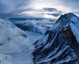 Пробка на Эвересте создает смертельные условия для альпинистов