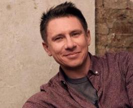Тимур Батрудтинов увлекся фотошопом и пририсовал свою улыбку на снимках знаменитостей