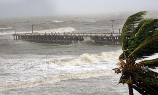 НаИндию обвалился циклон «Фани»: видео очевидцев