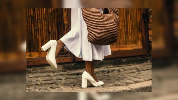 5c07c034bb5 Мода на обувь летом 2019  в тренде универсальные модели - Леди ...