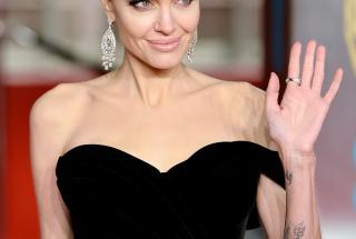 На что тратит свои 100 миллионов долларов Анджелина Джоли?