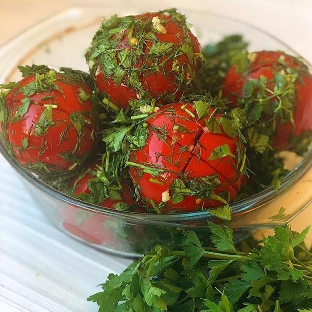 помидоры с красным перцем