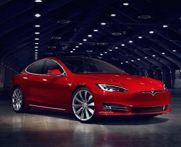 Tesla Илона Маска стала лучшим автомобилем года как транспорт будущего