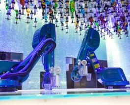 Чешский ночной клуб «устроил» на работу робота-бармена который готовит идеальные коктейли