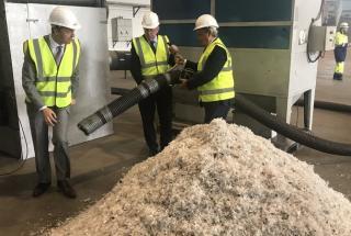 Первый в мире завод по переработке пластика в воск открылся в Ирландии