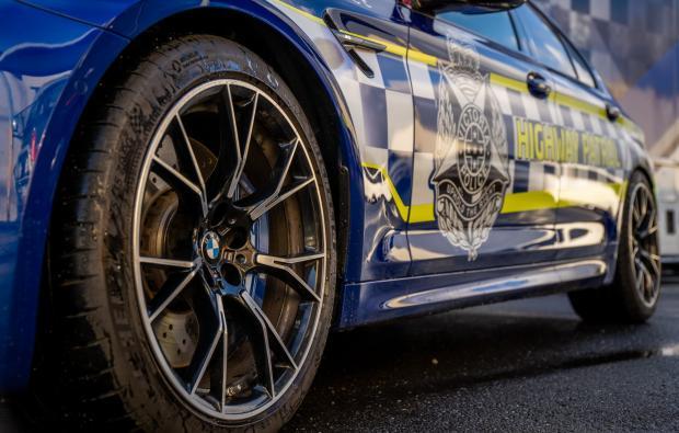 Гордость полиции Австралии: на службу заступил патрульный BMW M5