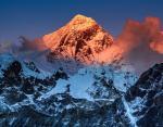 На Эвересте собрали 11 тонн мусора: власти Непала приняли важное экологическое решение
