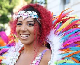 Карнавал в Лондоне: британцы в ярких нарядах прошлись по улицам столицы