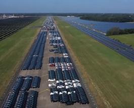 10 000 Mercedes-Benz с высоты птичьего полета: впечатляющее видео временной автостоянки