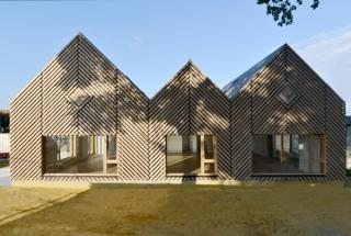 Эко-школу построили во Франции: как выглядит необычное учебное заведение