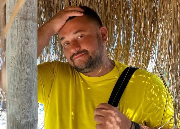 Дженнифер Лопес позирует вкупальнике сглубоким вырезом