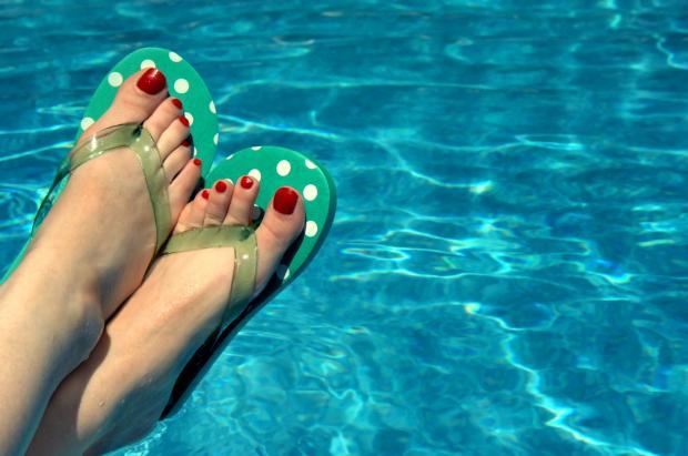 Чем лечить гнойный грибок на пальцах ног