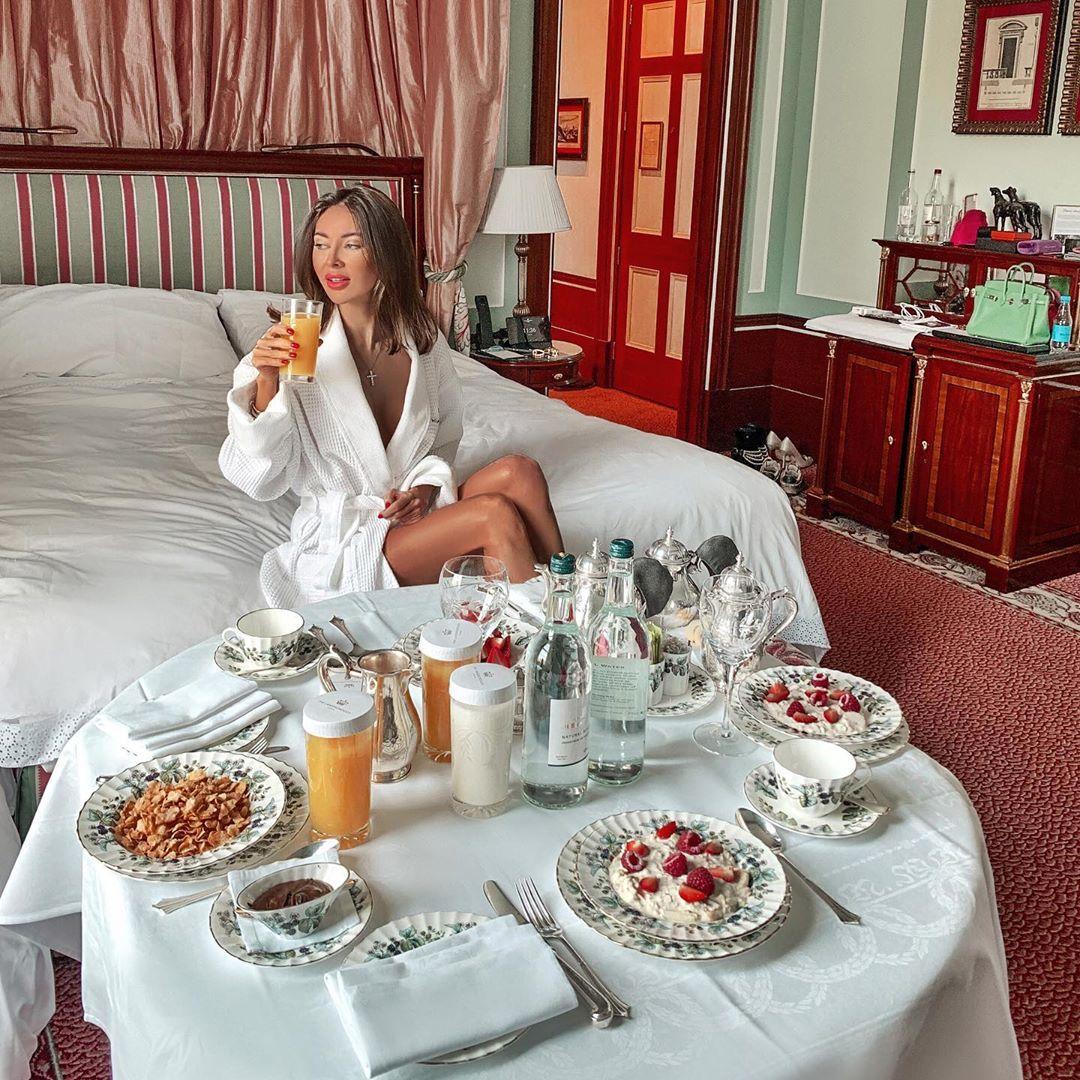 сможете как отдыхают московские богатые девушки решат