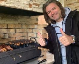Дмитрий Маликов с отцом – футбольные фанаты: певец поделился фото с трибун