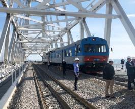 Железную дорогу на Крымском мосту протестировал дизельный поезд