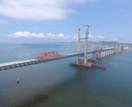 В Китае завершилось строительство самого длинного в мире автомобильно-железнодорожного моста