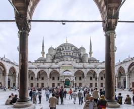 Мощное землетрясение сотрясло Стамбул: власти сообщают о разрушениях и пострадавших