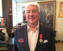 Владимир Винокур в День учителя посетил могилу самого главного в его жизни педагога