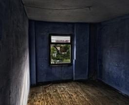Комната ярости появилась в Риге: очередь клиентов постоянно растет несмотря на высокие цены