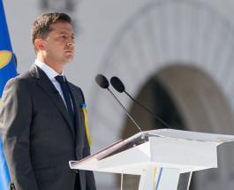 Владимир Зеленский возложил цветы к вечному огню в Киеве в честь важного дня для Украины