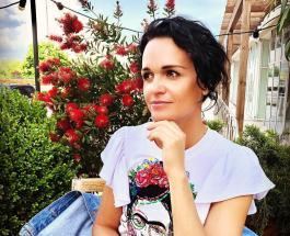 Певица Слава гордится дочерью: роскошные образы 20-летней Александры