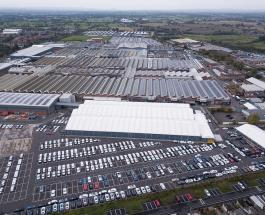 Занятное видео: самая дорогая парковка Англии с автомобилями на сумму более 80 млн долларов