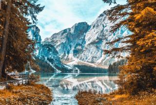 Самые красивые озера мира: удивительные водоемы из разных уголков Земли