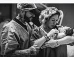 Фото, сделанное в роддоме. На снимке запечатлены: Тимати, Симона Юнусова, новорожденный Ратмир