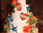 Праздничный торт на вечеринке Эшли Грэм