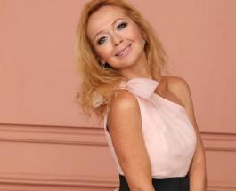 Елена Захарова в детстве была милым кудрявым ребенком: актриса поделилась архивным фото